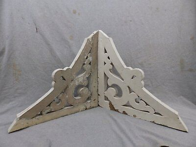 Antique Pair Wood Corbels Shabby Cottage Chic Gingerbread Vintage 262-17R