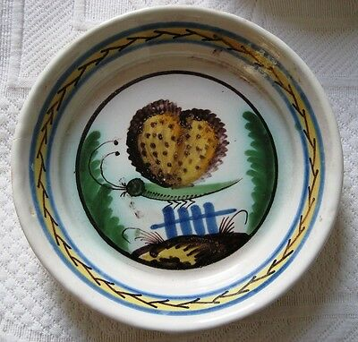 Assiette XVIII/ XIX eme en faience de Nevers ,papillon