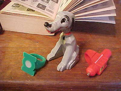 VINTAGE PREMIUM TOY RINGS ( 3 )PCS. Magic Dog ; Green ? , Red ?.