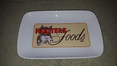 "Hooters Restaurant Wings Serving Dish Plate / Platter Advertising 9 3/8"" Glass"
