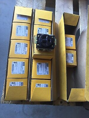 Hubbell HBL5284 receptacle 2 pole,3 wire 15A-125V