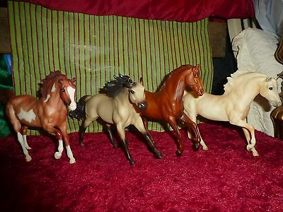 Breyer Model Horse Lot of 4 classic size
