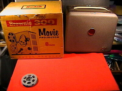 Vintage 1950s Kodak Brownie 500 A 8mm Movie Portable Projector In Box Working