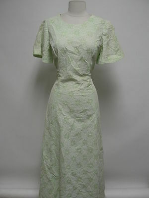 DRESS SALE!!   2561 - Vintage Maxi Dress Size M Green White Lace Short Sleeve Fu