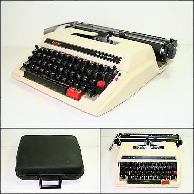 BROTHER DELUXE 762TR Typewriter with Case