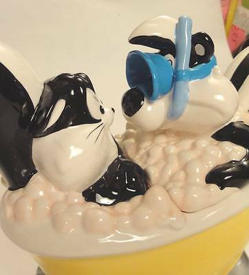 LOVELY PEPE LE PEW and PENELOPE Bubble Bath TEAPOT   WARNER BROS. ~1999~