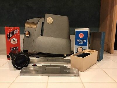 "Vintage TDC ""Duo"" Streamliner 500 Slide Projector In Case With Accessories Works"
