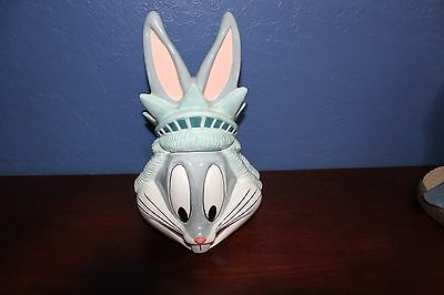 Warner Brothers WB Bugs Bunny Looney Tunes New York Statue Liberty Cookie Jar