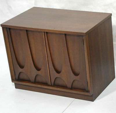 Broyhill Brasilia II - Nightstand - 2 available