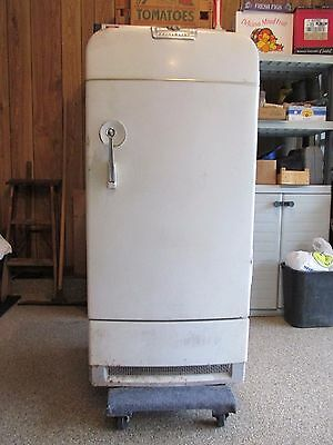 L@@K---REDUCED!!!!!   Vintage Frigidaire Refrigerator, 1939, Restoration Project