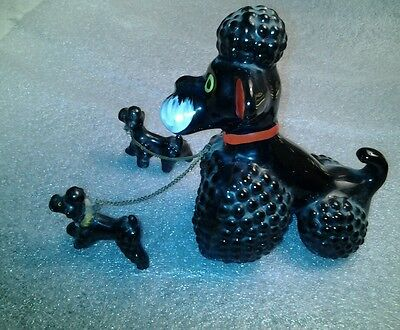 VINTAGE Black PORCELAIN POODLE & TWO PUPS ON CHAIN 1950's/60's Japan redwear