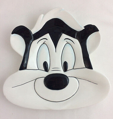 Warner Bros Pepe Le Pew Plate Dish Ceramic 1994 Vintage Decorative Plate Skunk