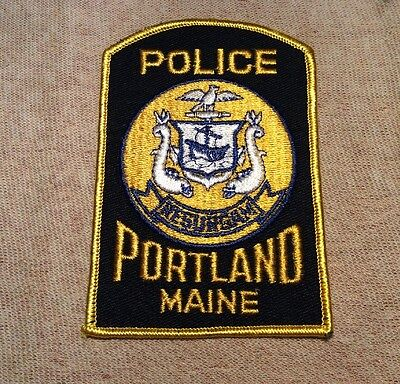 ME Portland Maine Police Patch (YL Border)