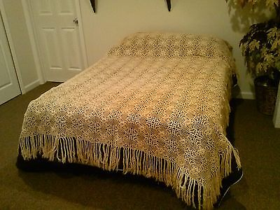 Antique Hand Crocheted Bedspread Cream Colored Full Size Coverlet