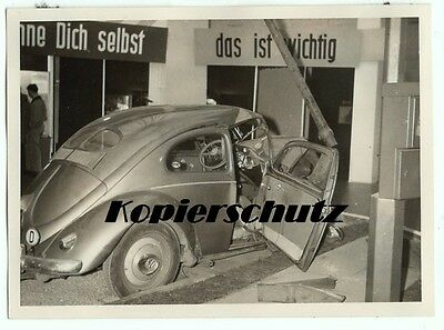 altes Foto, VW Käfer Crash Test