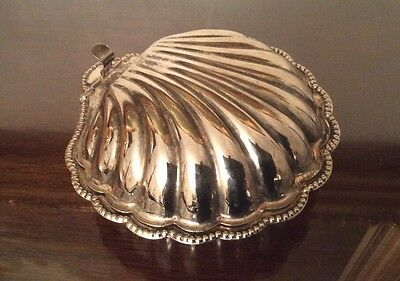 Vintage Silver Plated Scallop Butter Dish w/ Glass Insert. Made In England
