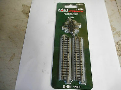 Kato N Scale  90 Degree Crossing And 4 Shorts