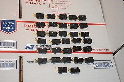 Lot of 32 Micro switch V3-101-D844 Limit switches; #354