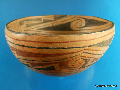 Super Fine Authentic Decoratively Designed Pottery Bowl - Indian Arrowheads
