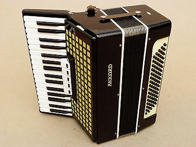 Very Nice Russian Accordion Accord 80 bass Including case