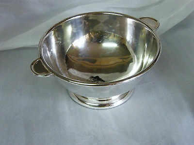 Walker Hall Silver Plated 2 Handled Footed BOWL 5.9inDia Ostrich with Horseshoe
