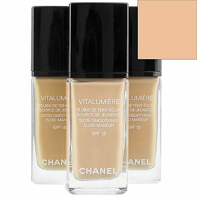 Chanel Vitalumiere Satin Smoothing Fluid Make Up SPF15 20 Clair 30ml for women