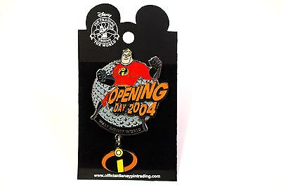 Disney Pin Mr Incredible EPCOT Opening Day 2004 The Incredibles Pin w/dangle