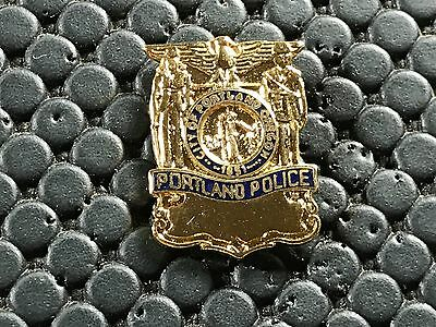 Pins Pin Badge Armee Militaire Police Portland