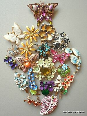 VINTAGE JEWELRY 20pc collection SIGNED AUSTRIA flower PINS, BUTTERFLY pins A7