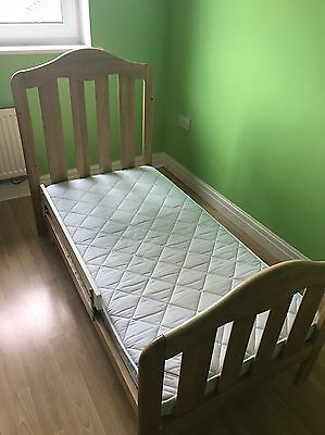 Mamas and papas Lucia cot bed And Mattress in excellent condition