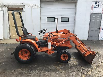 Kubota B7200 Four Wheel Drive Diesel Tractor With Front End Loader Hydrostatic