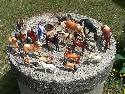 Lot Of 22 Breyer Horses