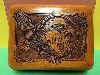 ANTIQUE 1950s AMERICAN HAND CARVED WALNUT HINGED BOX W/ EAGLE.SIGNED BY ARTIST.