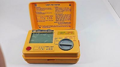 TES 1700 Digital Earth Resistance Tester Meter Measure Voltage DATA Hold New