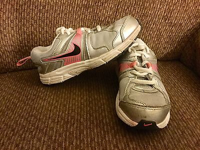 Girls Nike Gray & Pink Athletic Sneakers Shoe Size: 13.5