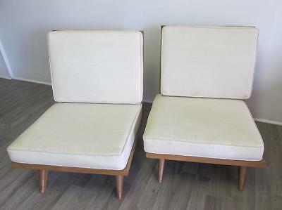2 MID-CENTURY LOUNGE CHAIRS Lot 271