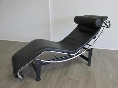 LE CORBUSIER LC-4 LOUNGE CHAIR, (MANNER OF) Lot 19