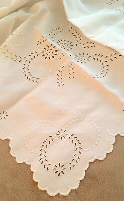 Eyelet Embroidered White VINTAGE Linen Tablecloth Broderie Anglaise TEA TABLE !