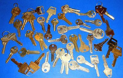 Lot Vintage Keys - Some Cut, Some Blanks. Some Large Bows - Over 1 lb of keys