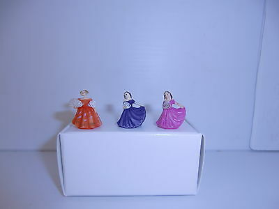 DOLLS HOUSE ( 3  Loverly Lady Ornaments