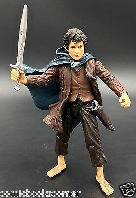 Lord of the Rings Trilogy ToyBiz FRODO w/ Blue Elven Cloak 100% Complete HOBBIT