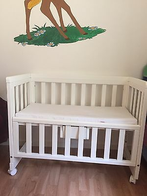 Troll bedside crib (white) mint condition
