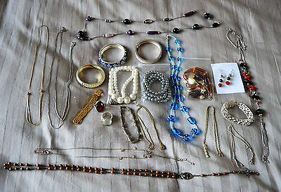 Costume jewellery - rings, bracelets, necklaces