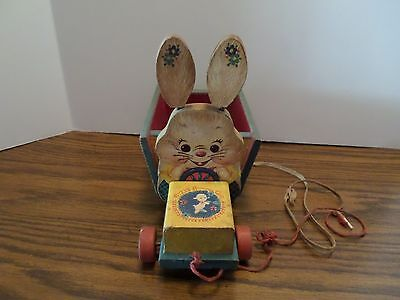 Vintage Fisher Price Wooden Bizzy Bunny Cart 306 Pull Toy     Very Rare