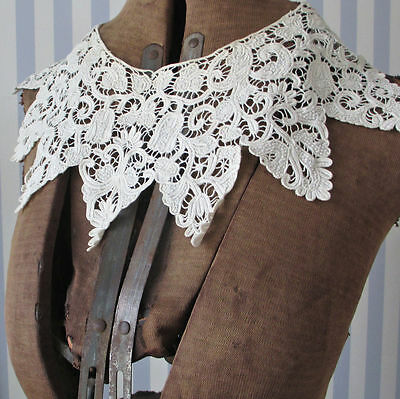 Antique FRENCH Point de Beauvais Embroidered Linen + LACE Whitework COLLAR