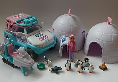 Animal Hospital Snow Rescue Station, Ice Recovery Jeep, Figures And Accessories