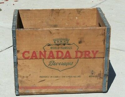 Vintage 1953 Canada Dry Ginger Ale Metal Edged Wood Soda Bottle Box Crate