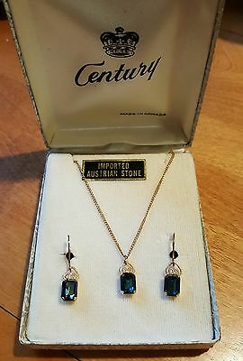 vintage costume set faux blue sapphire necklace screw on earrings