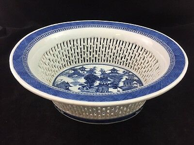 "Chinese Export CANTON Porcelain Reticulated Blue & White 10 3/4"" Basket / Bowl"