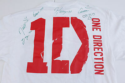 One Direction 1D Signed Autographed T shirt all 5 signatures 2013 Size large